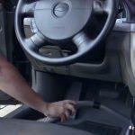 نظافت کف خودرو